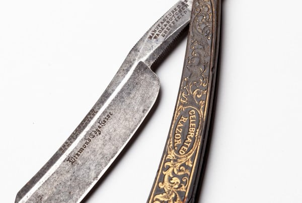 Antique Wade and Butcher Straight Razor in Ox Horn Scales (1 of 3)