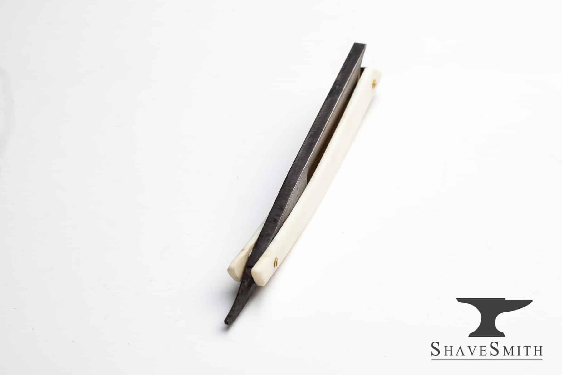 """""""Imperial"""" 5/8, Custom Engraving, Camel Bone, Yuri-zu finish - Custom Straight Razor"""
